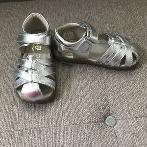 New See Kai Run Sandals Size 8